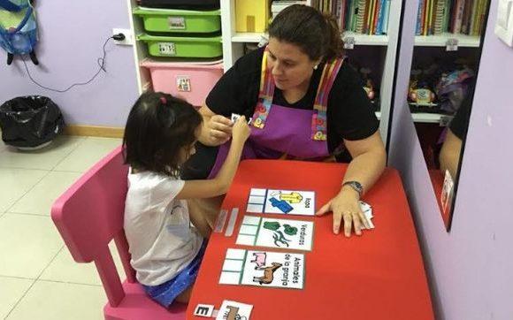 El 'ya hablará' no es la solución: hay hasta el 7% de escolares que tienen problemas del lenguaje